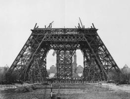 Small_construction_tour_eiffel3